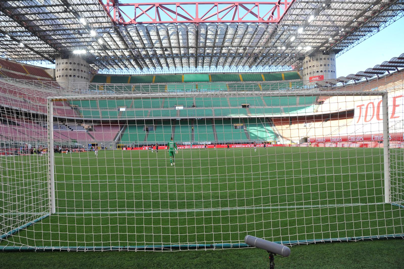Stadio San Siro - Milanpress, robe dell'altro diavolo
