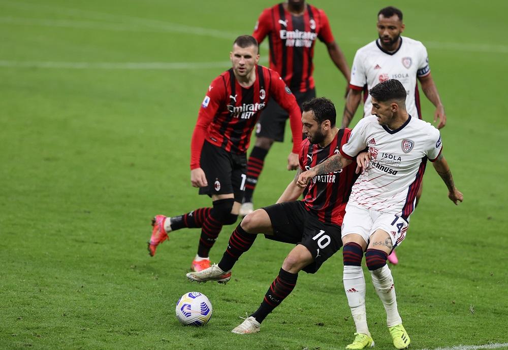 Milan-Cagliari: Hakan Calhanoglu, Ante Rebic, Alessandro Deiola e Joao Pedro (Photo Credit: Agenzia Fotogramma)
