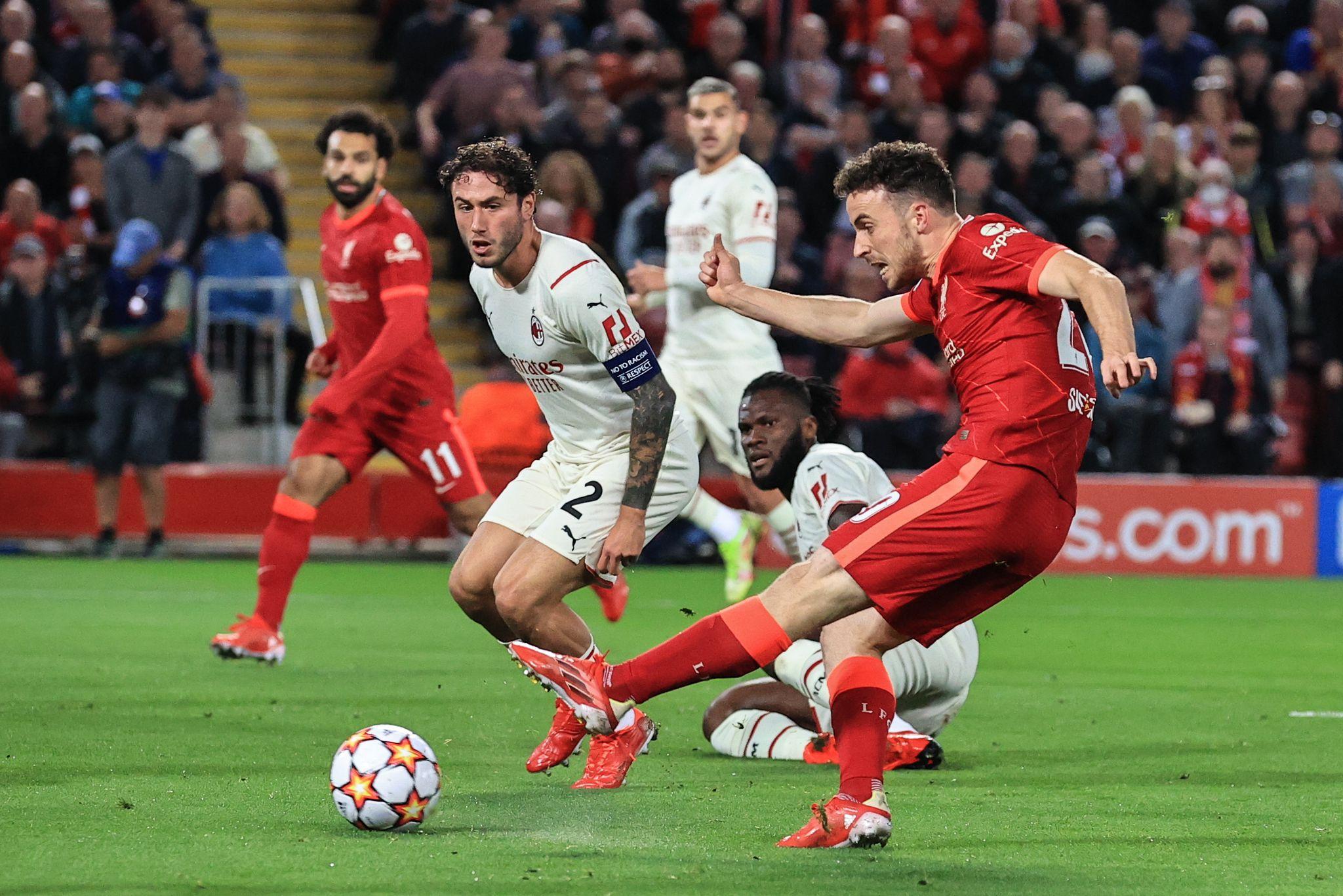 Liverpool-Milan: Davide Calabria, Franck Kessie, Theo Hernandez, Andrew Robertson e Mohamed Salah (Photo Credit: Agenzia Fotogramma)